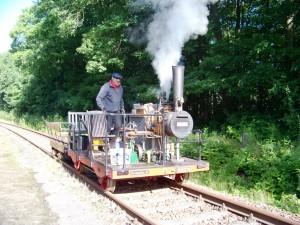 Dampfdraisine, Betreiber Herr Lochau (Quelle: Pressemeldung LOEV e.V. vom 11.05.2015)